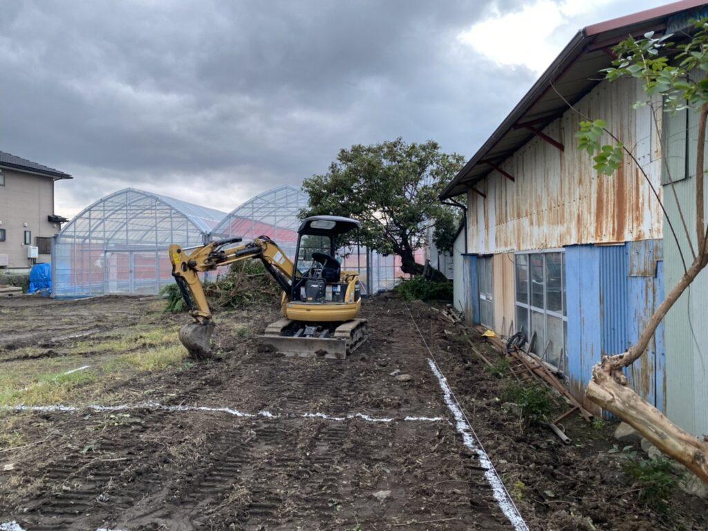 いよいよカフェと作業場の建設が始まりました